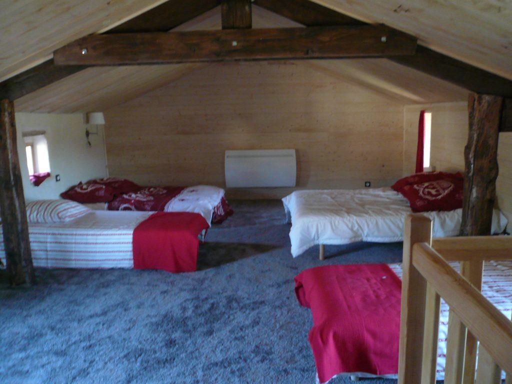 Grand dortoir de 10 personnes